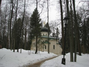 Церквушка в лесу