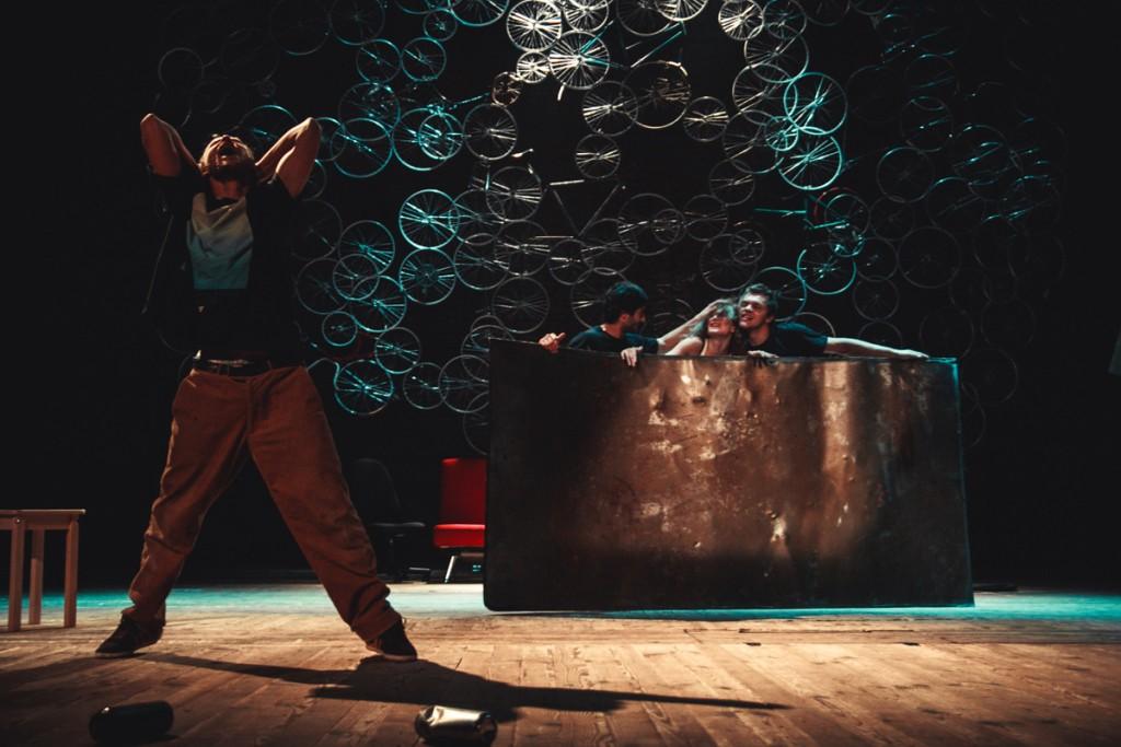 «Кеды» по пьесе Любы Стрижак; источник: ktyz.ru