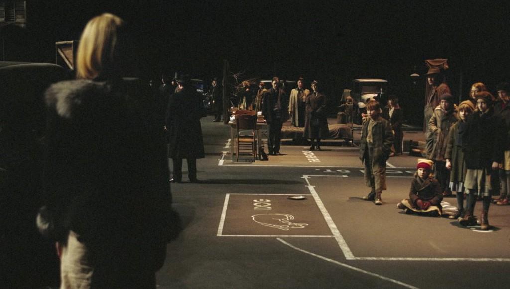 Кадр из фильма Ларса фон Триера «Догвилль»